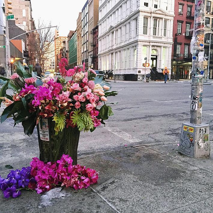 lewis-miller-floral-designer-nyc-trash-cans-designboom-02