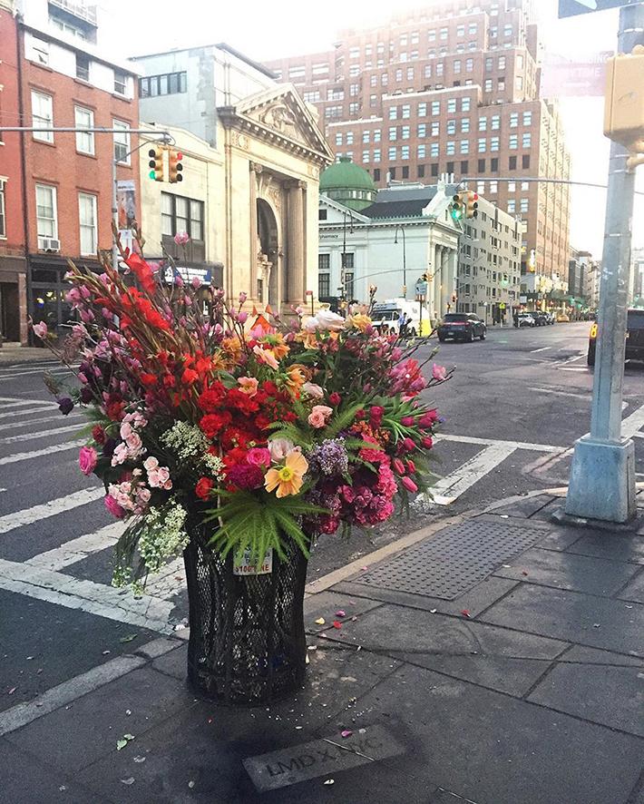 lewis-miller-floral-designer-nyc-trash-cans-designboom-03
