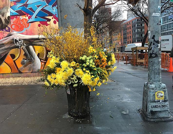 lewis-miller-floral-designer-nyc-trash-cans-designboom-04